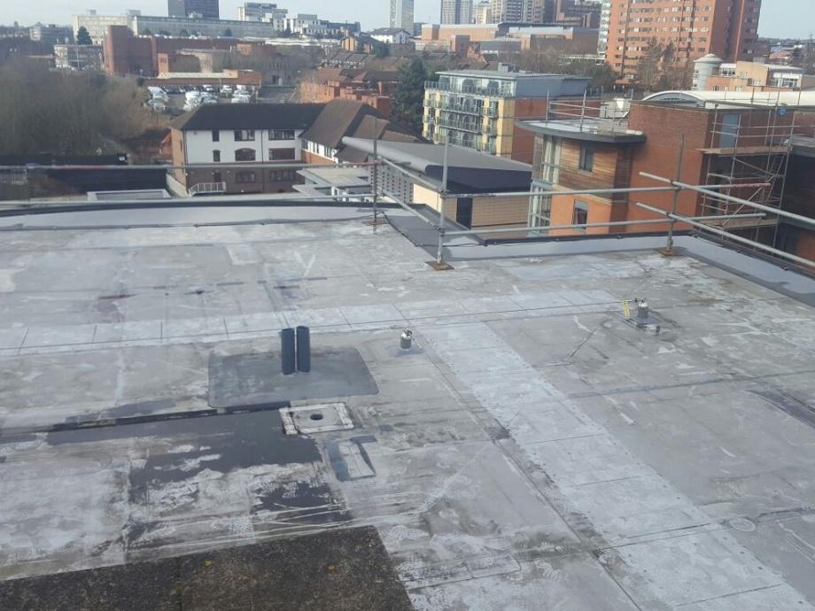 Flat Roof Walkway->title Before